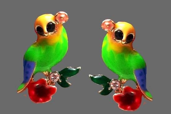 Bird clip on earrings. Gold tone metal, rhinestones, enamel. 1990s