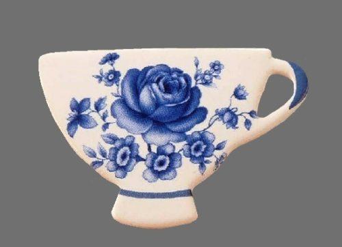 Blue Roses Ceramic Teacup Brooch Pin