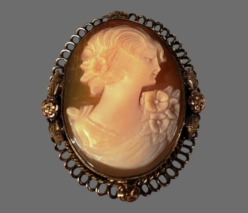 Cameo brooch. 10 K gold filled, ivory