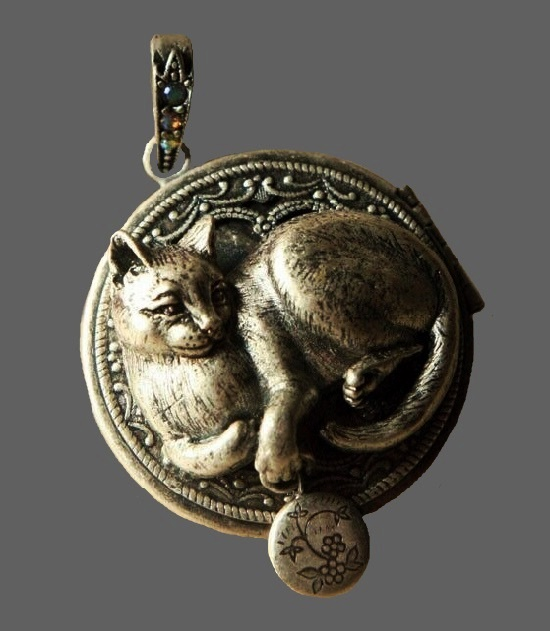 Cat locket, silver over pewter