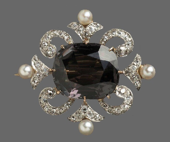 Diamond, emerald, pearl brooch