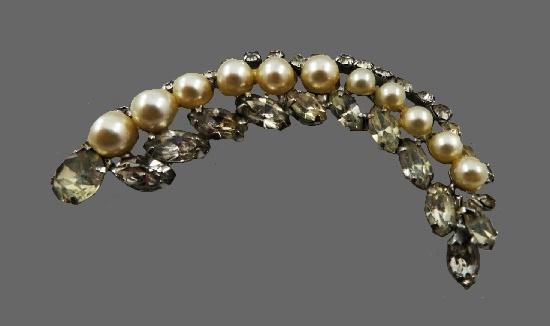 Faux pearl rhinestone brooch of silver tone