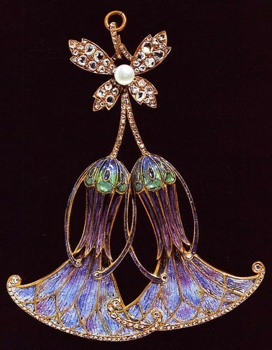 Gorgeous brooch on the sketch of A. Mucha. Gold, enamel, mother of pearl