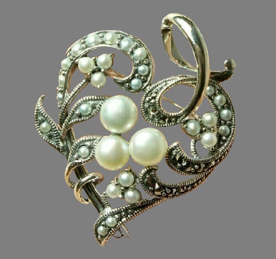 Victorian Trading Co vintage costume jewelry