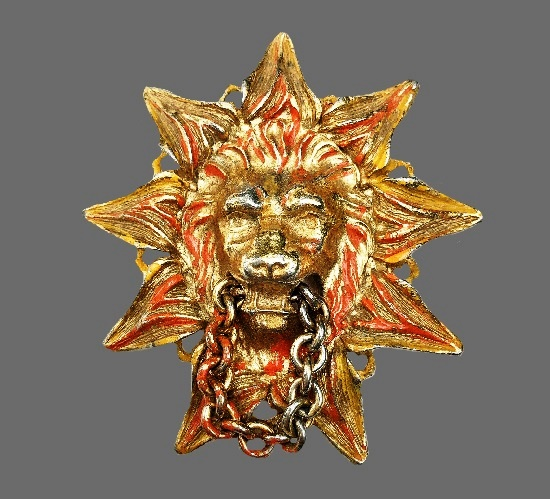 Lion door knocker vintage brooch. Gold tone metal, enamel