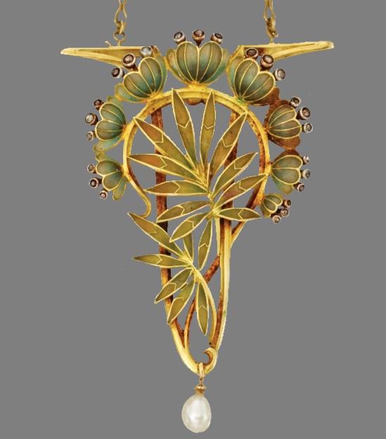 Lotus flower and leaves brooch pendant. Gold, Platinum, Enamel, Diamond and Pearl. Circa 1901-1902