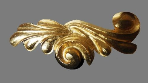 Magic curl brooch. Jewelry alloy brushed gold. 6 cm