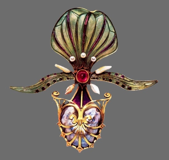 Orchid brooch,1900, gold, enamel, rubies, pearls. Anderson collection, Great Britain