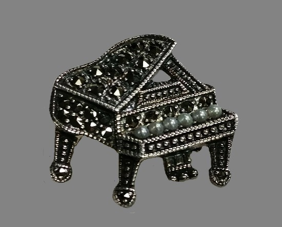 Piano pendant brooch. Marcasite and Pearl