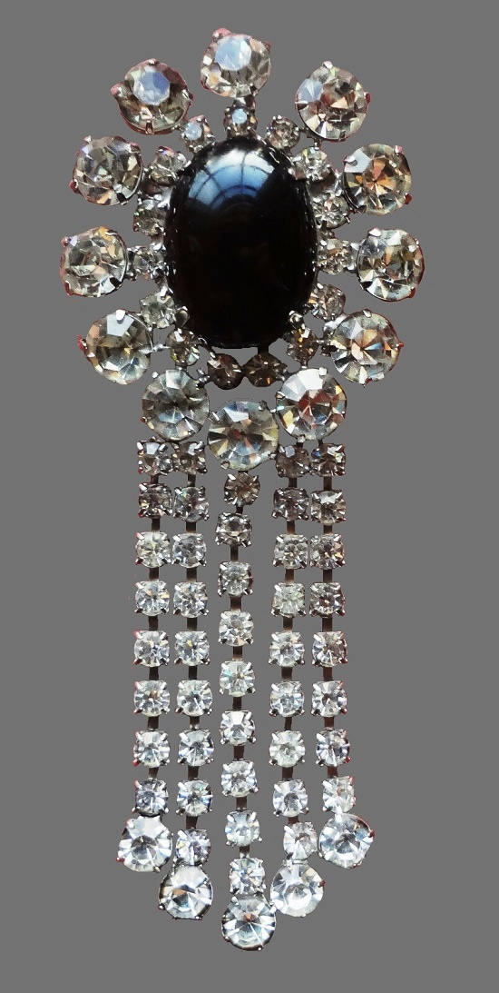 Rare 1940s crystal dangle brooch. Silver tone metal, cabochon