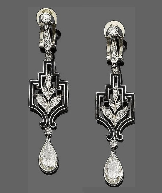 Traditional Templier design earrings