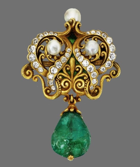 Scroll motif brooch. Gold, diamond, pearl, green enamel, emerald. Circa 1900