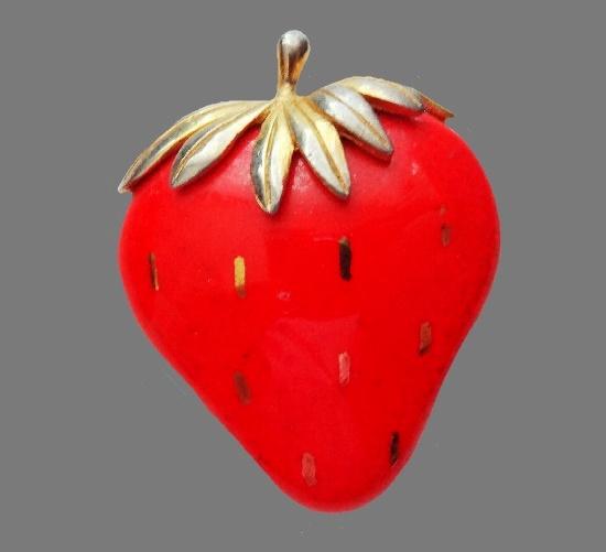 Strawberry brooch. Porcelain, enamel, jewelry alloy