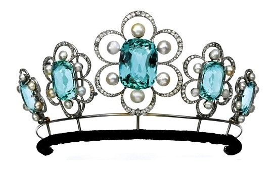 The changed tiara created by G. Fouquet in 1908. Aquamarines, natural pearls and diamonds