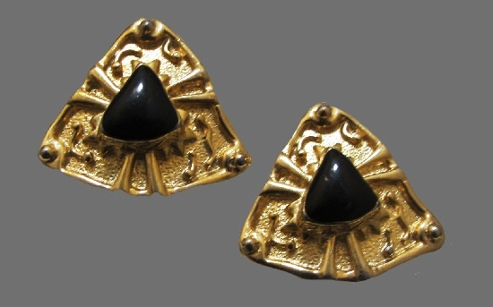 Triangle shaped gold tone black enamel clip earrings
