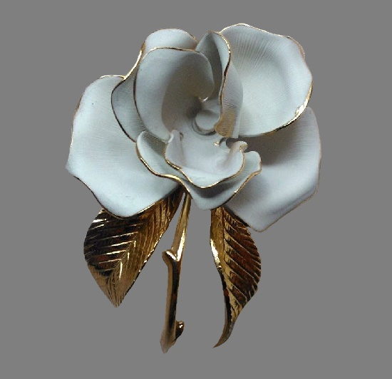 White Rose brooch. Gold tone metal, gold trims, enamel