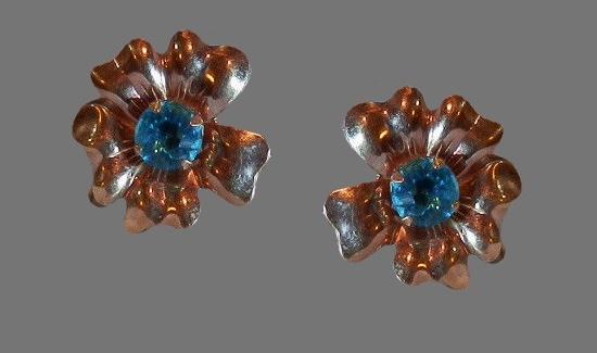 Aqua rhinestone flower design screw back earrings