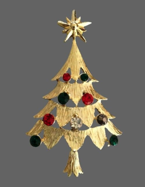 Christmas tree vintage brooch. Gold tone metal, green and red rhinestone