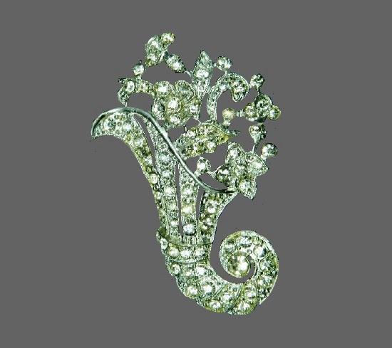 Flower bouquet brooch. Silver tone, rhinestones