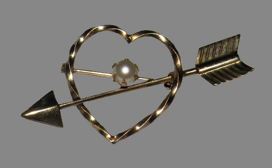 Heart and arrow brooch pin. 12 K gold filled, faux pearl