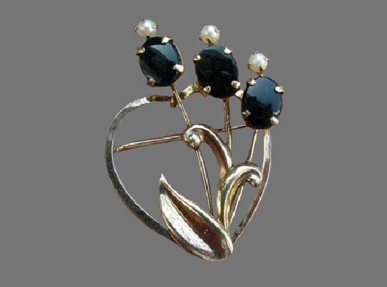Onyx flower in a heart pin. 12 K gold, faux pearls