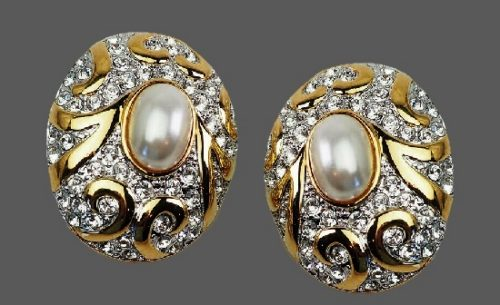 Oval shaped gold tone, faux pearls, rhinestones earrings