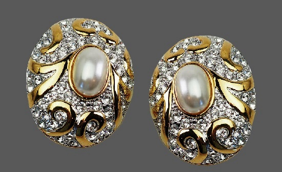 Oval shaped gold tone, faux pearls, rhinestones earrings