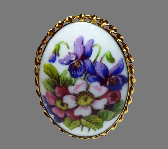Oval shaped hand painted flower brooch. 12 K gold filled Limoges frame