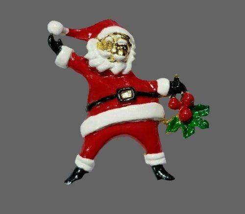 Santa with holy leaves vintage brooch. Gold tone metal, enamel
