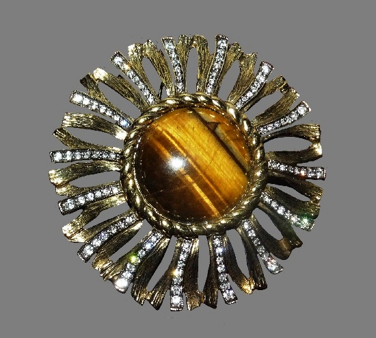 Sunflower brooch. Gold tone metal, rhinestones, tiger eye. Vintage, signed Landau