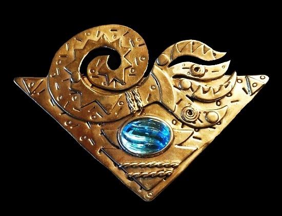 Tango artisanal brooch. Textured bronze, glass cabochon