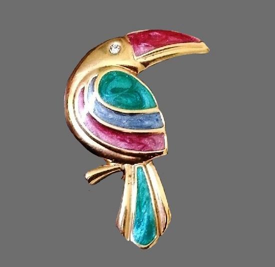 Toucan brooch. Gold tone metal, enamel