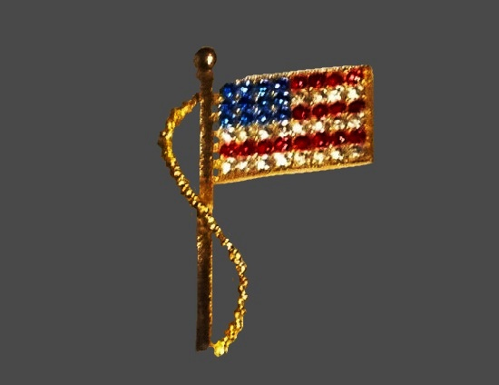 US Flag brooch of gold tone, rhinestones