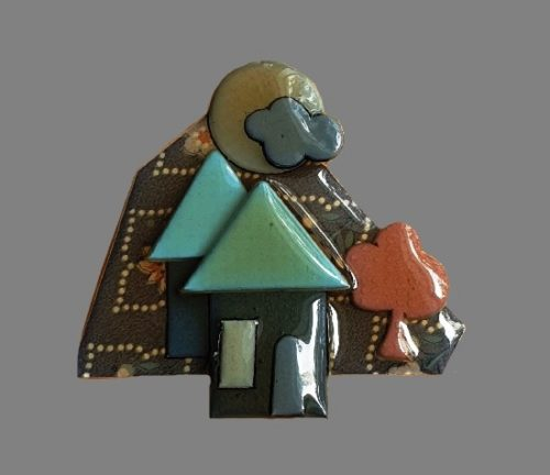 1980s house with a tree pin. 6.5 cm