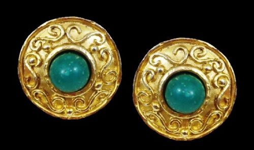 1980s vintage earrings. Gold plated, glass cabochon