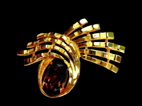 Abstract design brooch. Gold Plated, faux topaz cabochon. 1960's