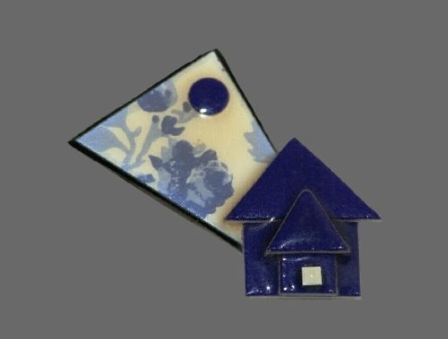 Blue house pin