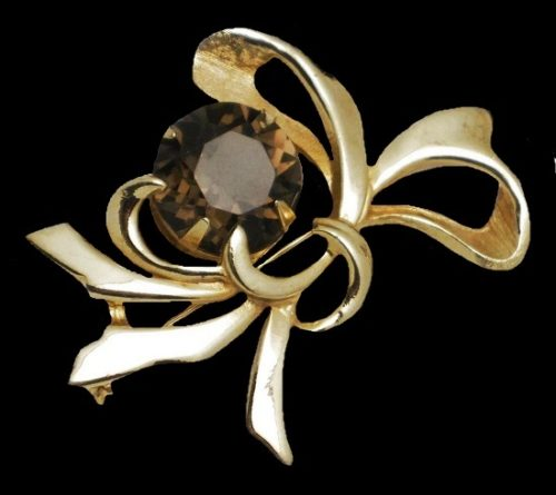 Bow Ribbon Pin Brooch. Gold tone metal, amethyst