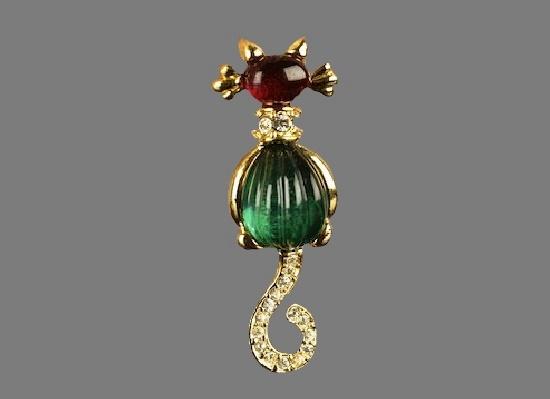 Cat brooch. Gold tone metal, rhinestones, lucite. 4 cm. 1980s