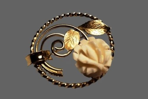 Circle wreath with carved rose brooch. 12 K gold filled, resin