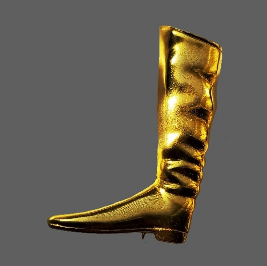 Equestrian Horseriding boot brooch of gold tone