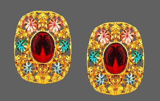 Filigree flower design earrings. Gold tone, red cabochon, enamel
