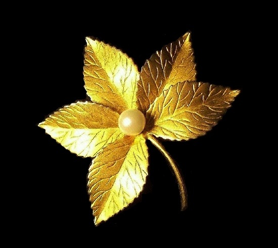 Five leaf brooch of textured metal, 12 K gold filled, faux pearl. 1950s