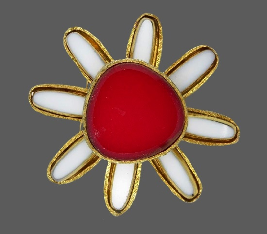 Flower brooch pin. Gold tone metal, White and red art glass