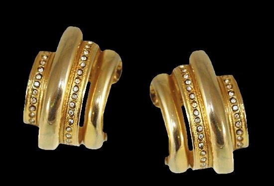 Gold tone rhinestones earrings