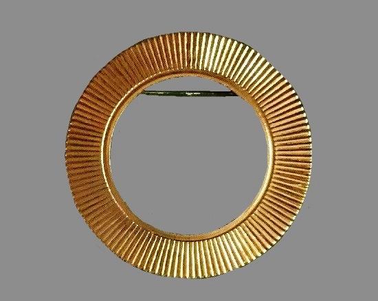 Golden circle pin of textured metal