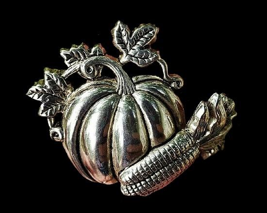 Halloween pumpkin silver tone brooch pin