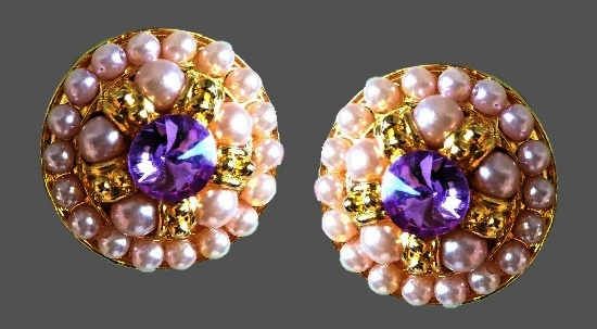 Handcrafted whimisies earrings. Round shaped, pink pearl and purple rhinestone