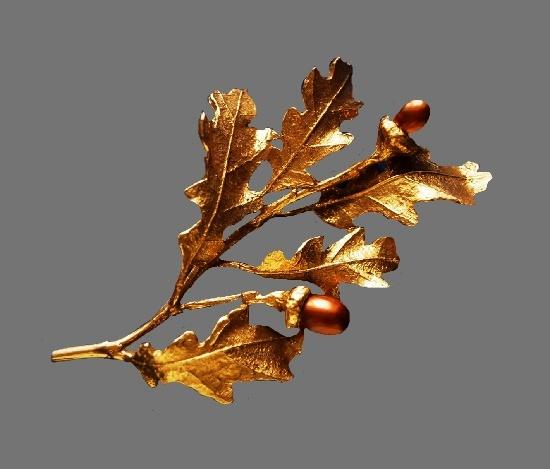 Oak twig brooch. Gold-tone metal, cultured pearls imitating acorns. 6.9 cm. 1990s
