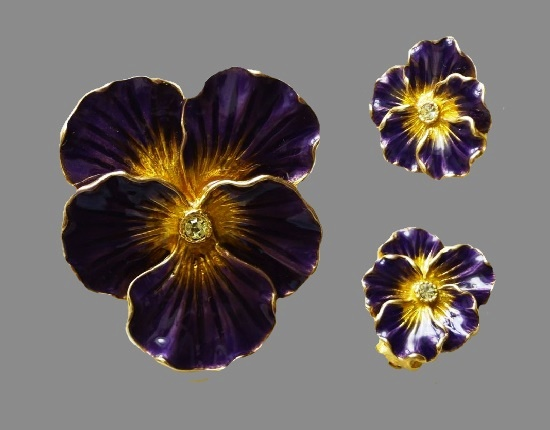 Pansy brooch and clip earrings. 24k gilding, enamel, glass crystals, brooch 4 cm; clips 1.8 cm. 90s
